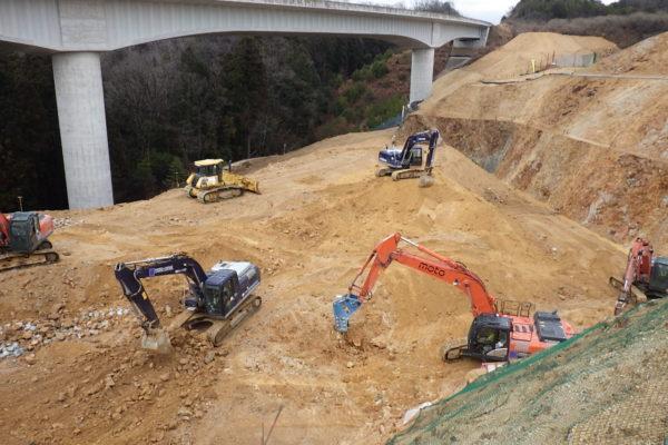 新名神高速道路  牧工事用道路工事
